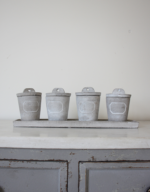Grey_concrete_herb_pots