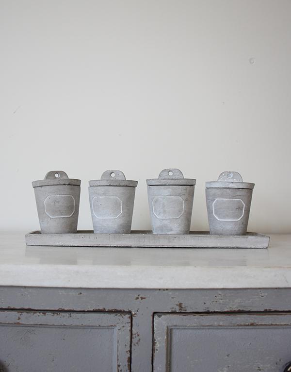 Grey_concrete_herb_pots