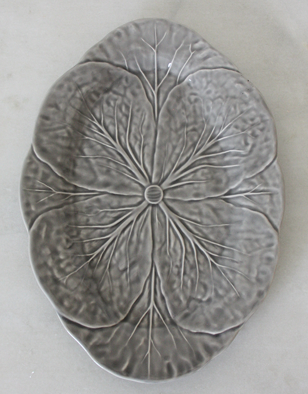 Grey_cabbage_platter_servingware
