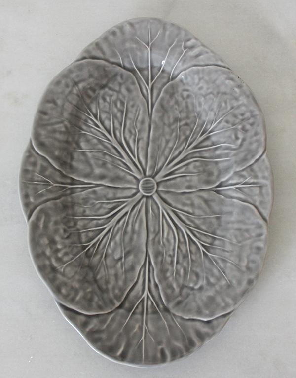 Grey_cabbage_platter_servingware