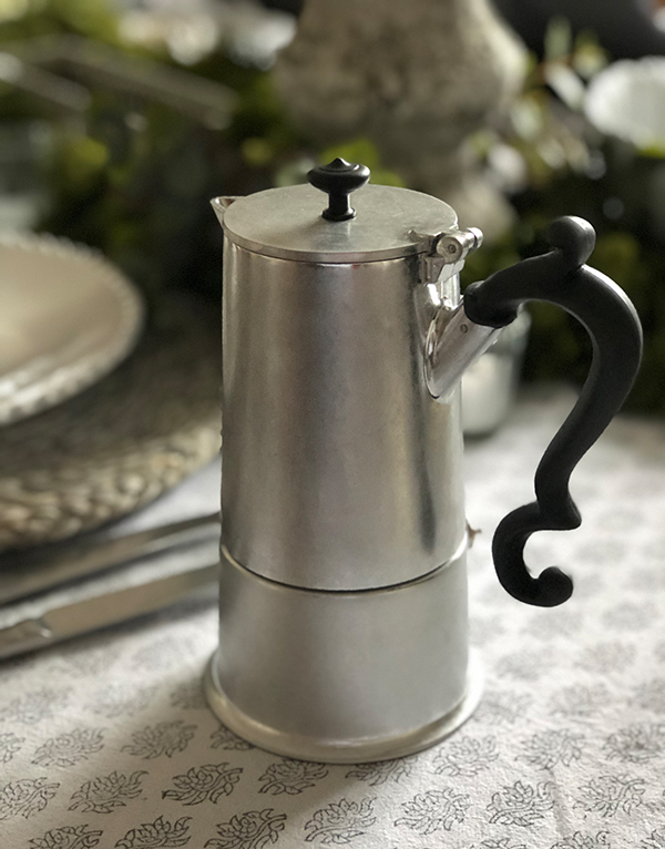 GREY_LADYANNE_COFFEEPOT