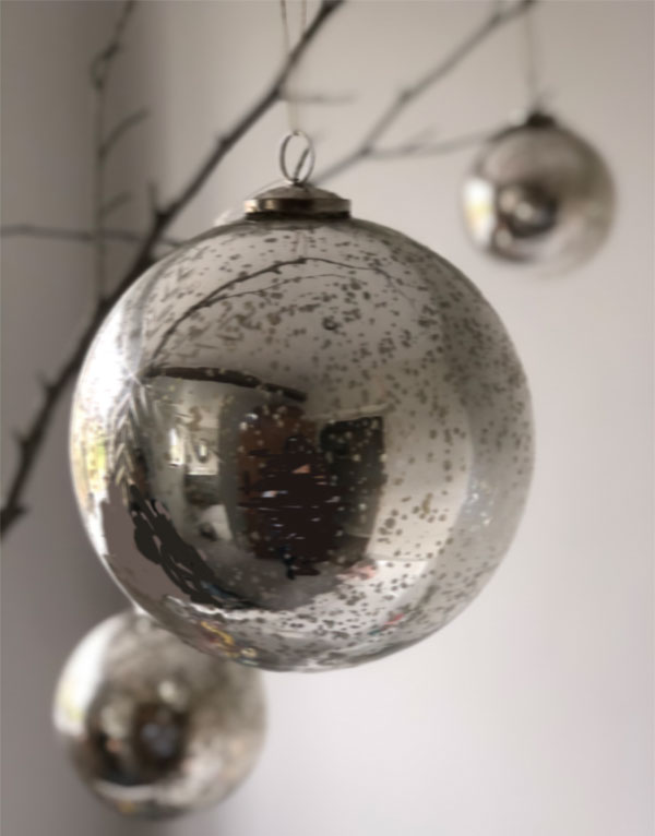 Christmas-Decoration-Bauble